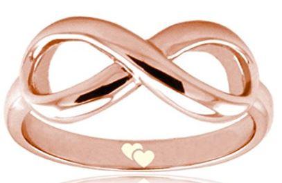 Unendlichkeits Ring mit Herz Gravur als Valentinstag Schmuck